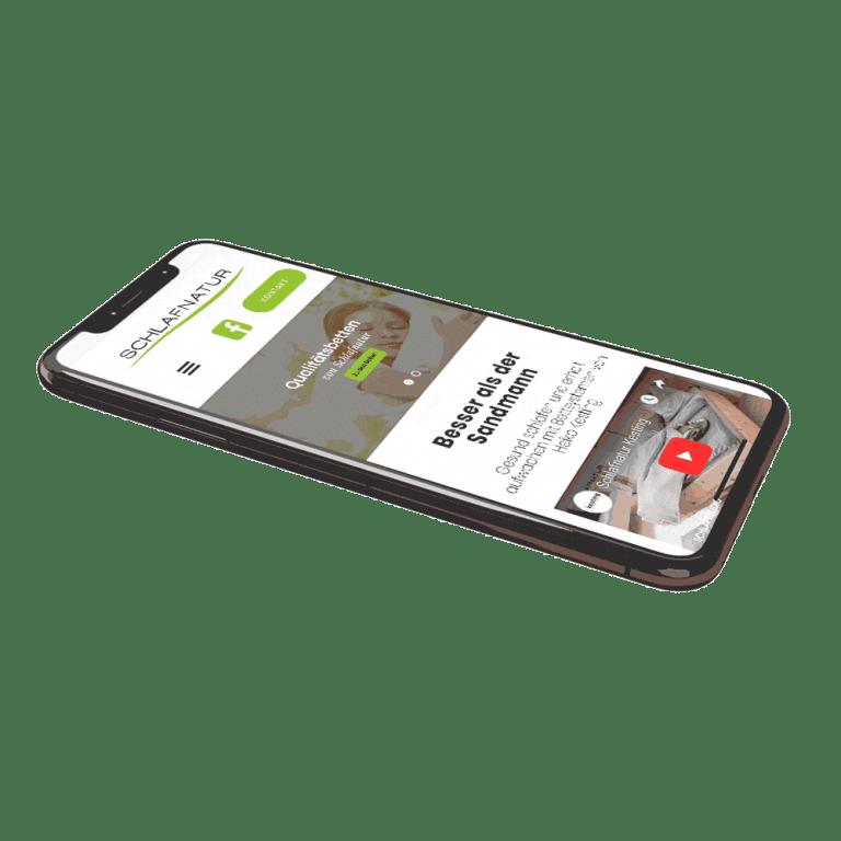 Auf dem Smartphone zeigen wir Unternehmen verschiedene Websites.